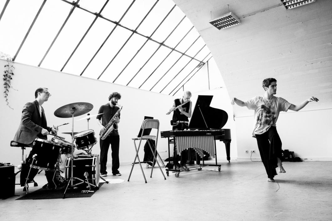 Gunter Hampel German Trio: Gunter Hampel (fl/bs-clar/vib), Juliu